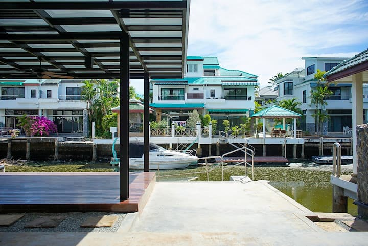 Jomtien Yatch Club Guest House
