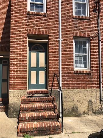 Great One bedroom in Historic Federal Hill