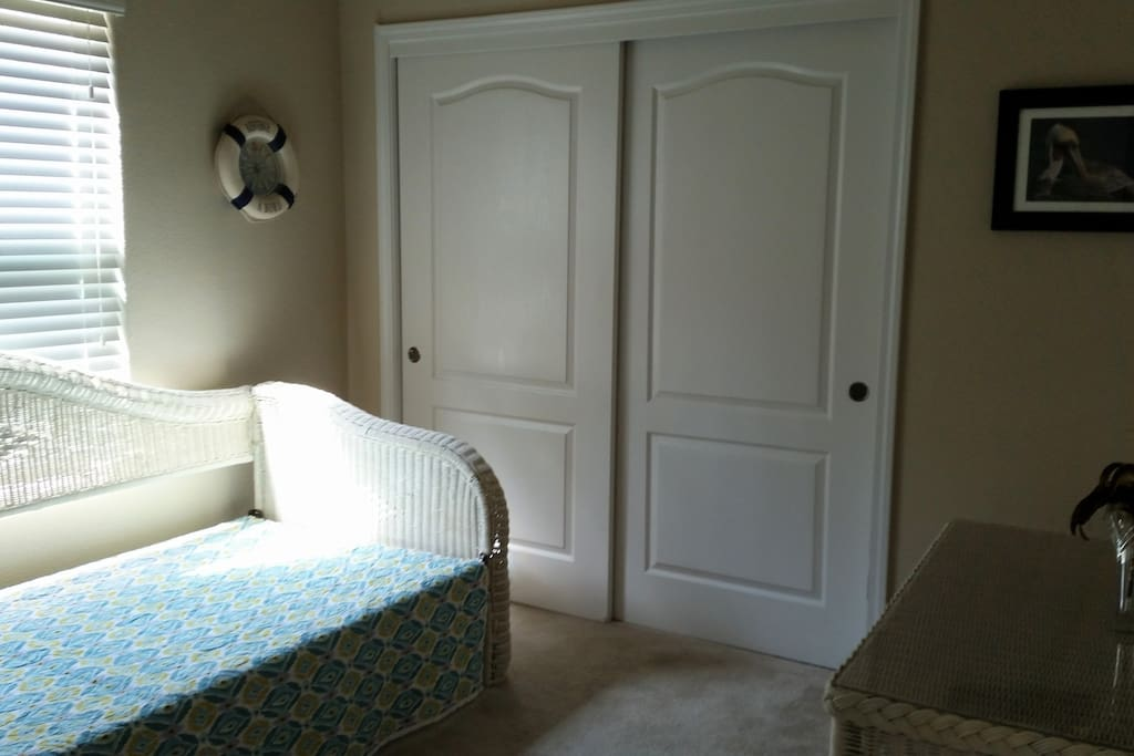 Day Bed & Closet