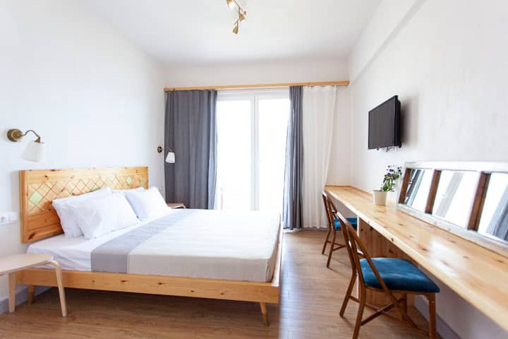 Summer suite in the center of Himare