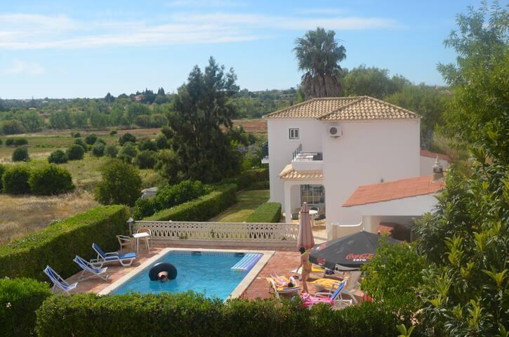 Villa c/ piscina privada - Pêra - Villa