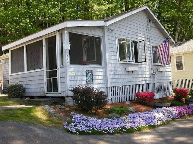 Cozy Newfound Lake Cottage - Bristol - Houten huisje