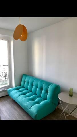 Studio bleu au pied de Montmartre
