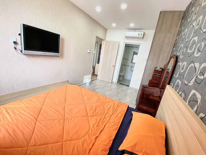 Pretty Room in 3 Bedrooms Apartment D10. (11)