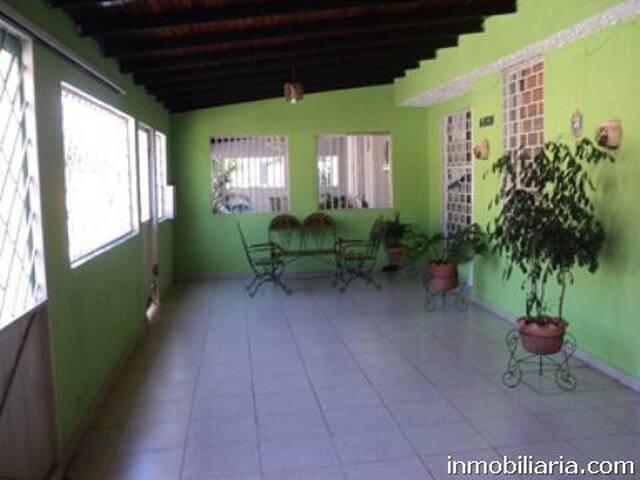 Casa en Ciudad Guayana  3 dormitorios, 2 baños