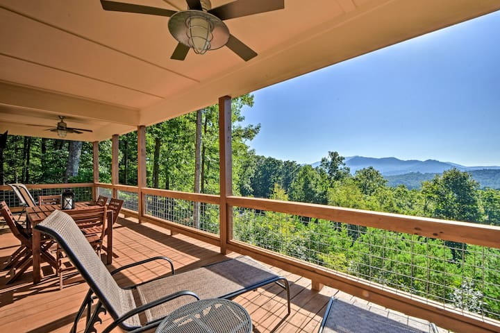 NEW! Hiawassee Home w/ Views <1 Mi to Lake Chatuge
