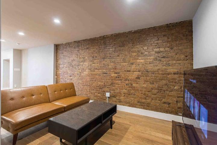 Spacious Brick Room In Brownstone Mins To Midtown