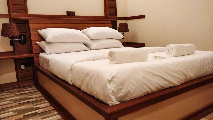 Akiri Surf Retreat (Double room)