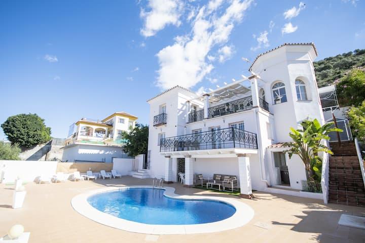 Cubo's Villa Santa Clara