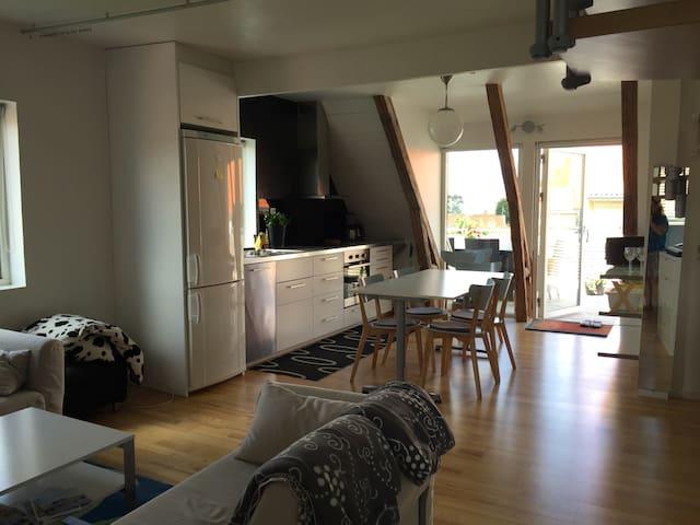 Fräsch lägenhet, centralt Båstad - Båstad