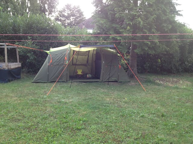 Green Tent 1, + BED  + S. BAG , Switzerland (Left)