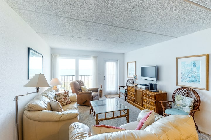 Friendly oceanfront condo with central AC, Gulf views, and private gas grill!