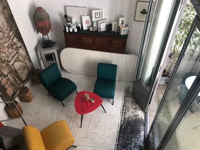 Charmant atelier d'architecte sur cour verdoyante