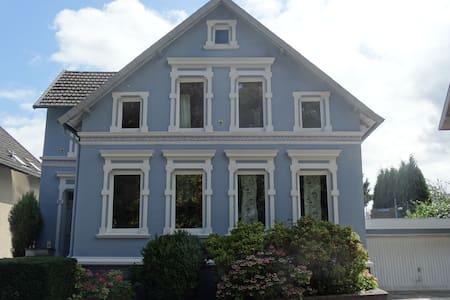 Large House, Huge Terrace/Garden, Games Rooms - Werther (Westfalen) - Dům