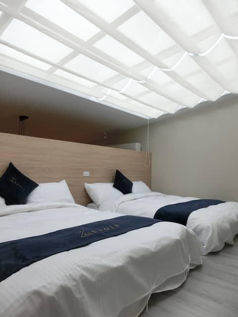 Zengin Cafe - 星空陽台八人房 (4 Double Beds)