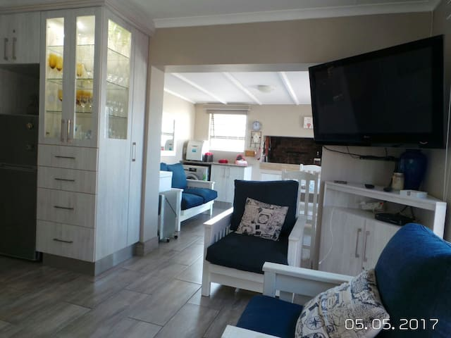 SeaBreeze 30 Self Catering Cottage