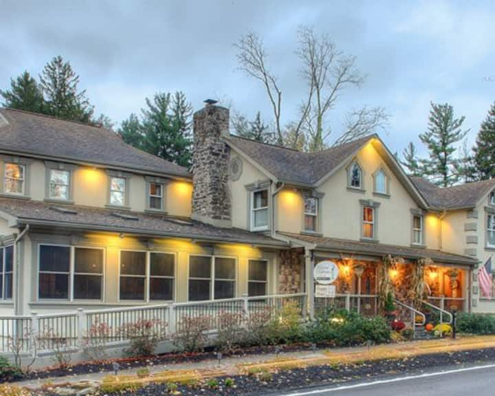 Woodfield Manor, a Sundance Vacations Resort #1