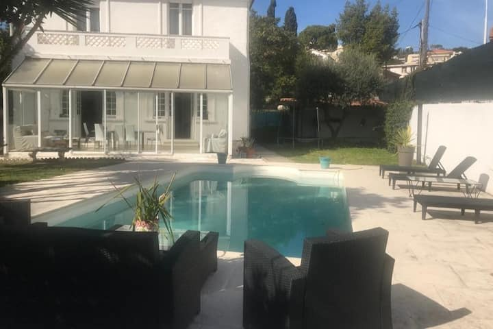 Villa d'exception plein centre ville avec piscine