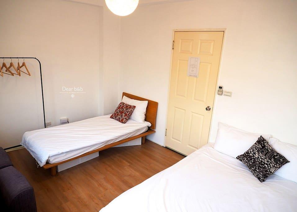 1張單人床十1張雙人床