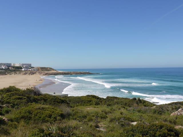 Appartement à Tanger Beach près du Golf , vue mer