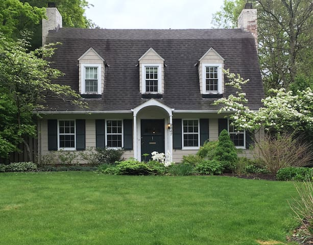 4BR in Shaker Heights, ideal for RNC! - Shaker Heights - House