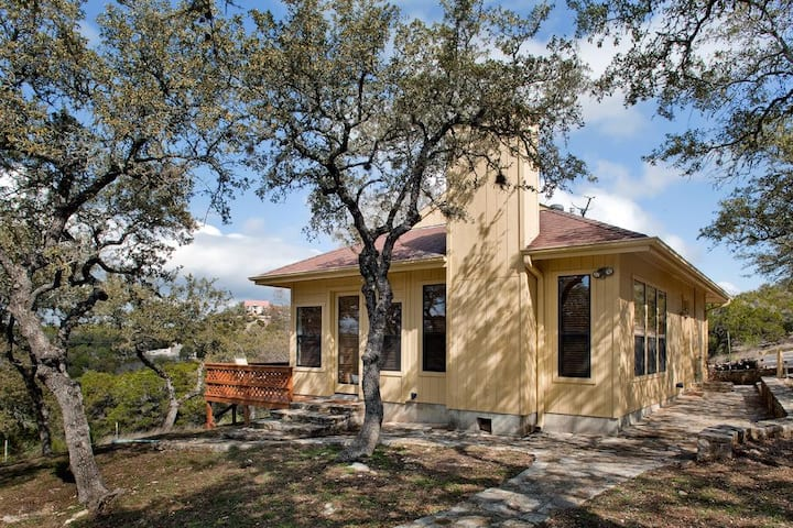 Blair House Inn- Wimberley Cottage