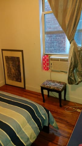 Single Bedroom /with bathroom - Westtown - Apartment