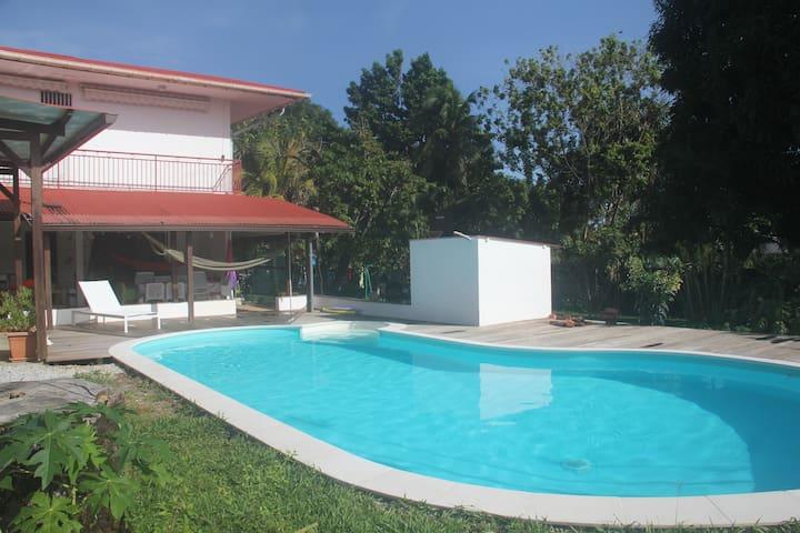 Villa très proche de la plage - Cayenne - Ev