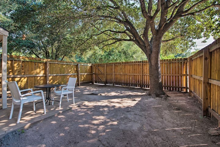 NEW! College Station Townhome - Walk to Texas A&M!