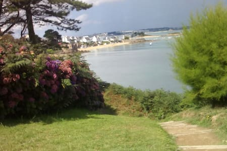Carantec , la mer , la plage