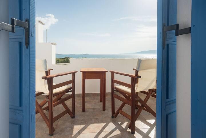 Naxos Plaka beach sea view apartment/ 3 adults