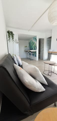 NEW appartement, cozy,with views & sunny terrace!