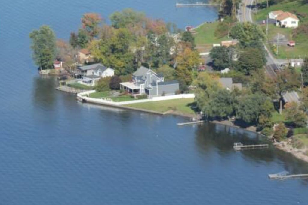 Private luxury living on saratoga lake houses for rent for Saratoga lake fishing