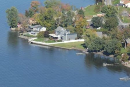 Private, Luxury Living on Saratoga Lake - Saratoga Springs