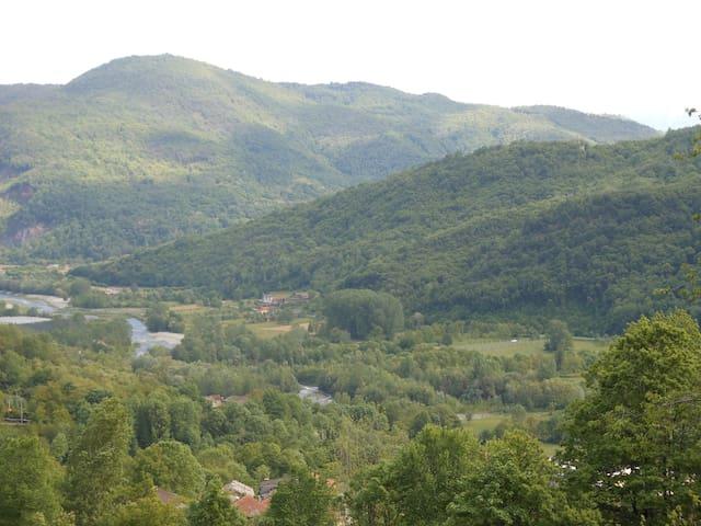 Agriturismo LE LASARDE Valle Varaita Cuneo - Venasca - Bed & Breakfast