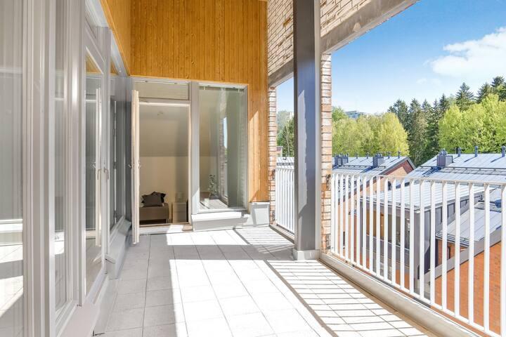 Penthouse Espoon Keskus, sauna ja terassiparveke