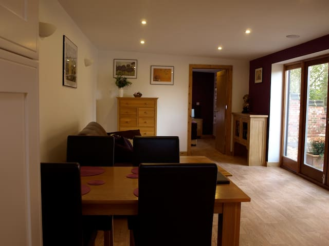 Lakeview at Lodge Farm Holiday Barn - Norwich - Norwich - Talo