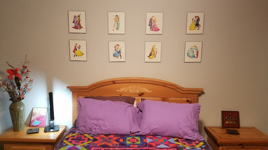Serenity Bed & Barn - Royal Room