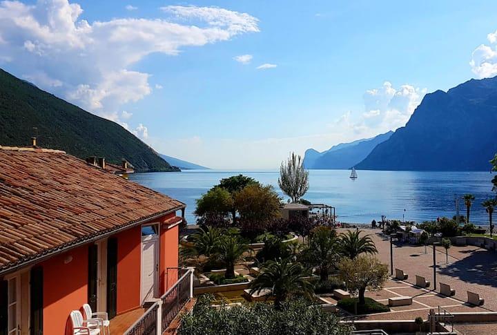 Casa Sandra Bertolini on the Lake