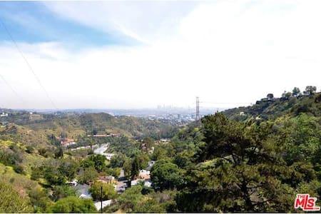 Beautiful Hollywood Hills Home - Ház