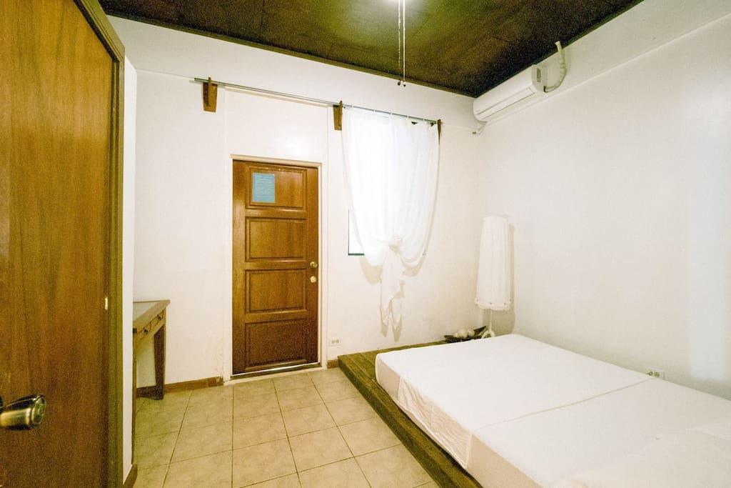 Room1-outside/1号房-外间