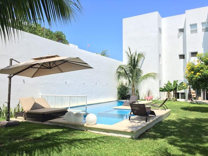 Twin Room in Beautiful house in Cozumel