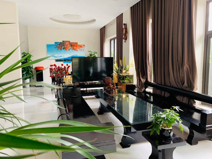 Luxury Villa near Noibai Airport (free pickup)