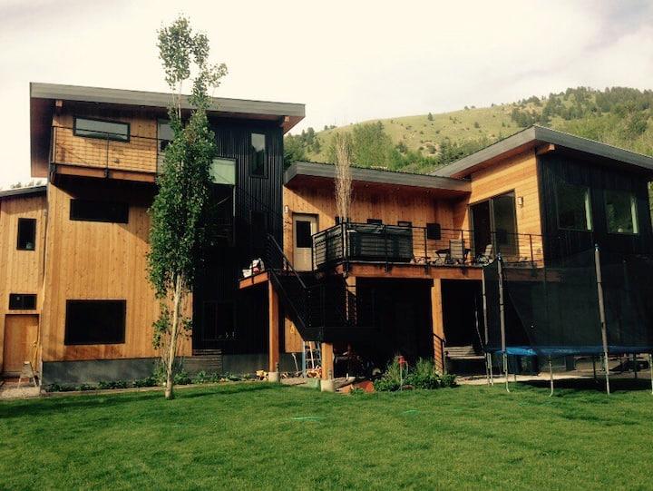 Mountain Modern Living