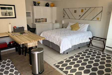 Central Phoenix - Private Guesthouse