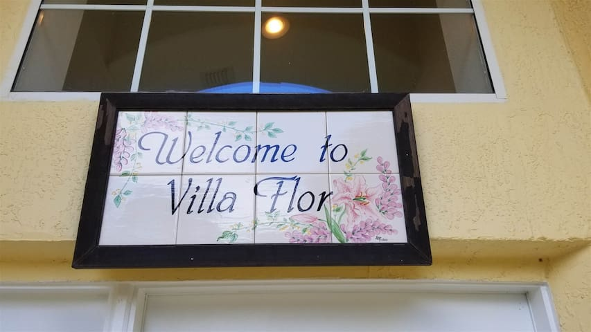 Welcome to Villa Flor