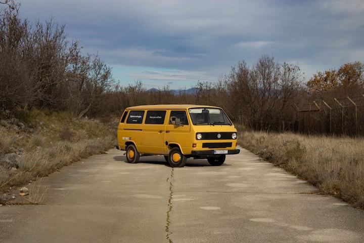 Retro VW camper: Žućko