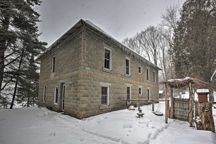 Lakefront 7BR Old Forge House w/Private Beach - Old Forge - Casa
