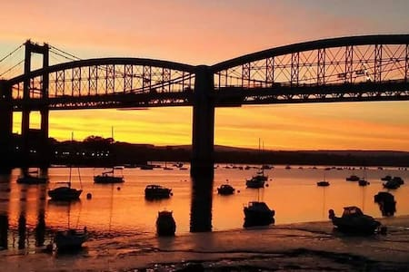 Sunset & River view Plymouth, parking, 2 bed,WiFi