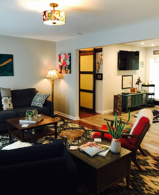 The living room that you walk into upon arrival!